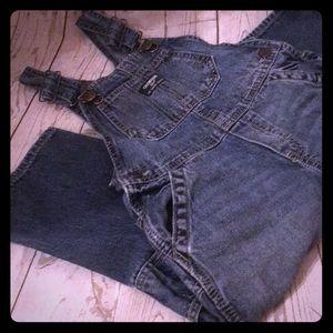Oshkosh overalls. Size 4T.
